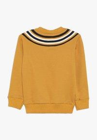 Champion - ROCHESTER VARSITY CREWNECK  - Sweatshirt - yellow - 1