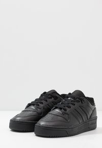 adidas Originals - RIVALRY - Sneakers - core black/footwear white - 3