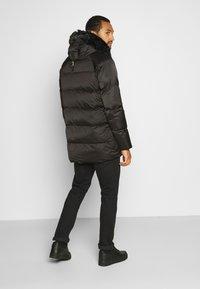 Glorious Gangsta - MAVIS  - Zimní kabát - black - 2