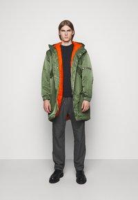 YMC You Must Create - HUNTER - Zimní kabát - olive - 1