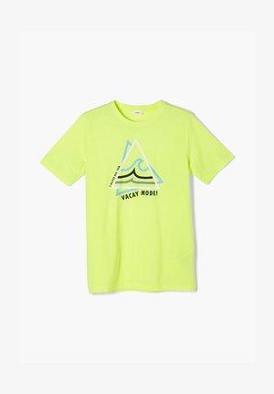 MIT FRONTPRINT - Print T-shirt - neon yellow
