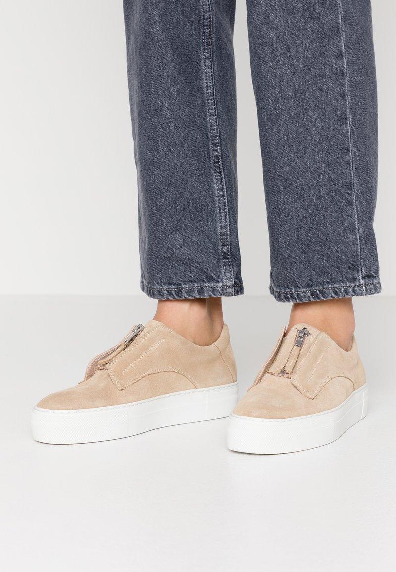 Zign - Slippers - beige