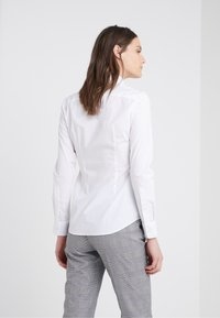 Polo Ralph Lauren - KENDALL SLIM FIT - Camisa - white - 2
