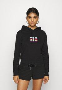 Calvin Klein Jeans - SMALL FLAG BOXY HOODIE - Hoodie - black - 0