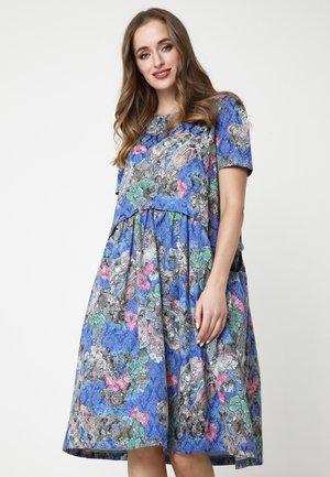 PAMELA - Day dress - kornblume blau, rosa