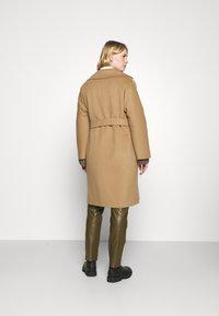 WEEKEND MaxMara - ROVO - Classic coat - camel - 2