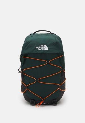 BOREALIS UNISEX - Rucksack - dark sage green/red orange