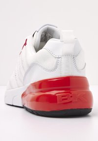 British Knights - Sneakers basse - white/red - 4