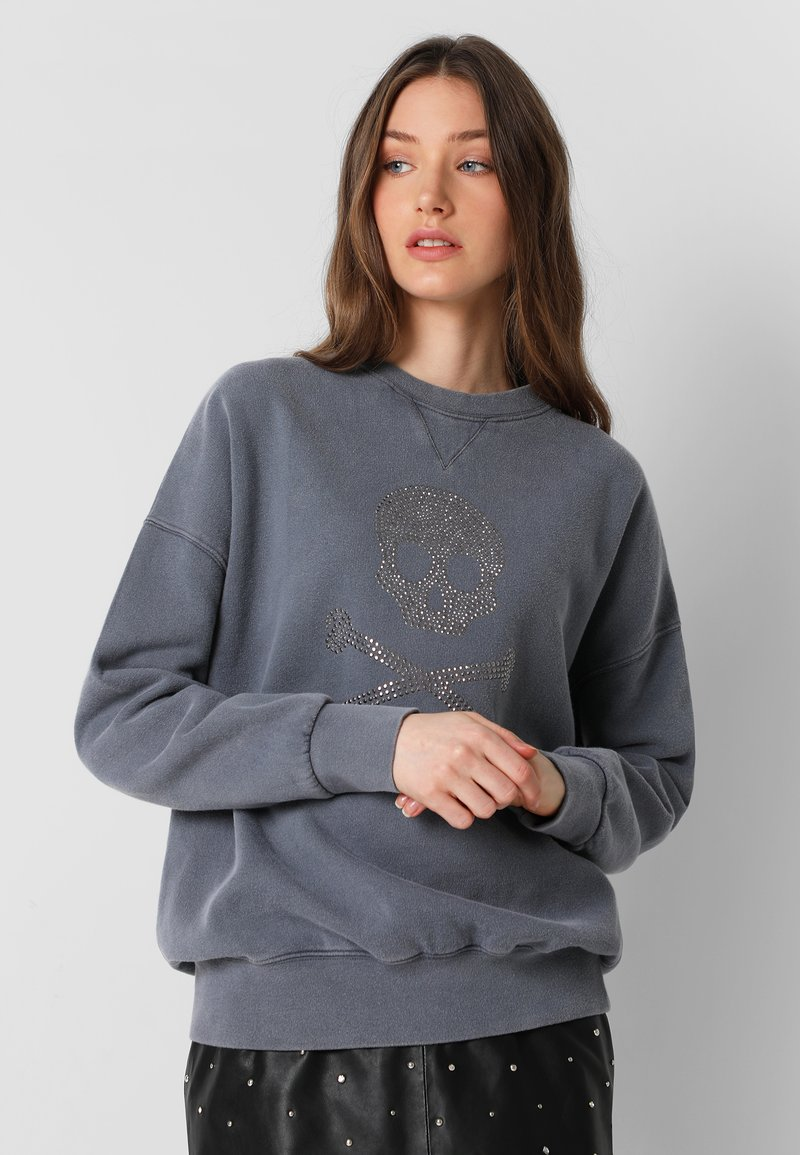 Scalpers - WITH SKULL LOGO AND STUDS - Sweater - grey