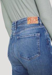 Pepe Jeans - LEXI SKY HIGH - Vaqueros rectos - denim - 5