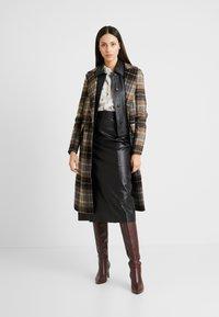 Selected Femme Tall - SLFARDEE SKIRT - Áčková sukně - black - 1