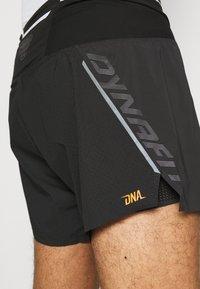 Dynafit - DNA SPLIT SHORTS - Sports shorts - black out - 3