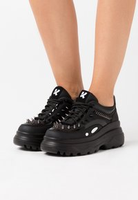 Koi Footwear - VEGAN BANE - Sneakers basse - black - 0