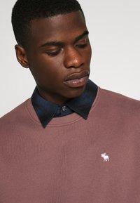 Abercrombie & Fitch - ICON CREW - Sweatshirt - burgundy - 4