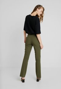 KIOMI - Trousers - olive - 2