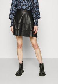 ONLY - ONLKATIE SKATER SKIRT - Mini skirt - black - 0