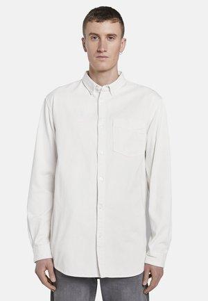 MIT BRUSTTASCHE - Shirt - washed white