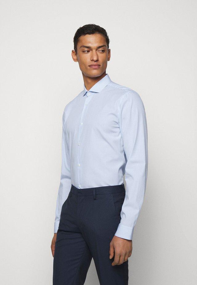 ERRIKO - Business skjorter - light blue