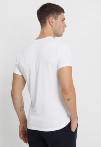 Pepe Jeans - ORIGINAL BASIC - Camiseta básica - blanco - 2