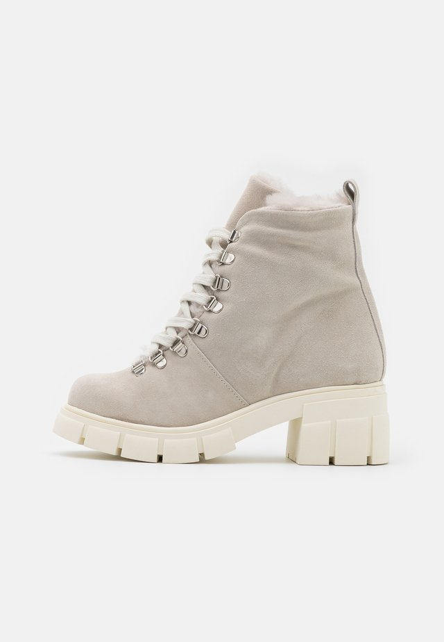 Lace-up ankle boots - hielo