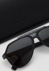 Dolce&Gabbana - Solglasögon - matte black - 3