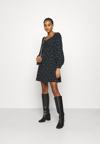 Glamorous - SKATER MINI DRESS WITH LONG SLEEVES AND SWEETHEART NECKLINE - Day dress - olive - 1