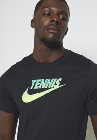 Nike Performance - GRAPHIC - Print T-shirt - black/volt/neo turq - 5