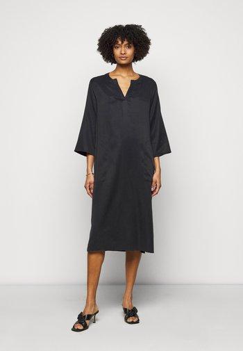 VIRPI - Day dress - schwarz