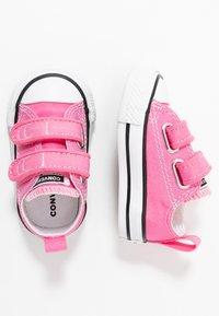 Converse - CHUCK TAYLOR ALL STAR - Tenisky - pink - 0