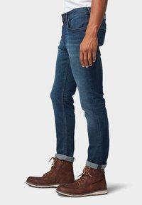 TOM TAILOR DENIM - Slim fit jeans - dark blue denim - 3