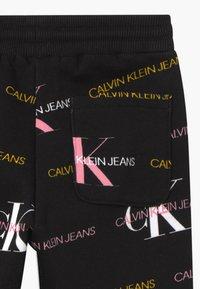 Calvin Klein Jeans - LOGO - Trainingsbroek - black - 2