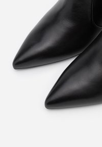Stuart Weitzman - MELENA  - Classic ankle boots - black - 6
