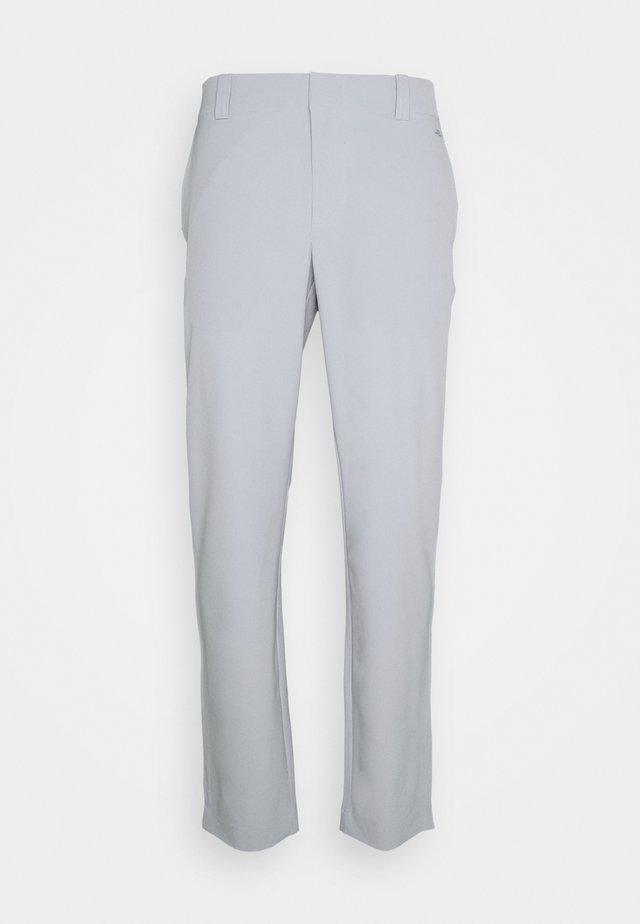 GOLF PANT - Pantalones - stone grey