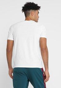 Champion - CREWNECK  - Camiseta estampada - white - 2