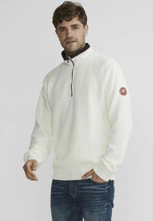 Stickad tröja - off white