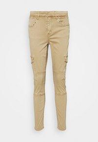s.Oliver - Pantalones cargo - sand - 0