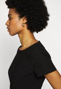 HUGO - KIBINA - Pouzdrové šaty - black - 5