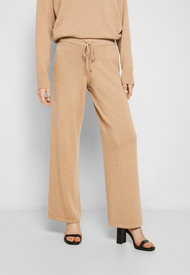 ALEXANDRA WIDE LEG TROUSERS WITH POCKET - Trousers - beige