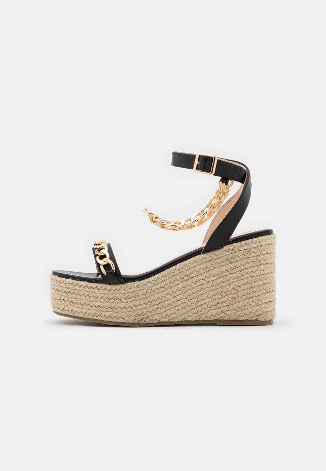 WIDE FIT - Korkeakorkoiset sandaalit - black