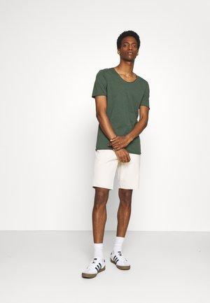 SLHNEWMERCE O NECK TEE 2 PACK - Basic T-shirt - frost gray/cilantro melange