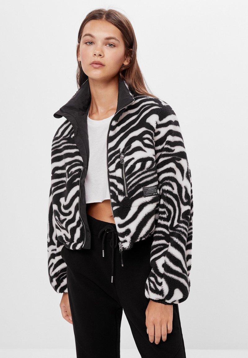 Bershka - Fleecová bunda - black