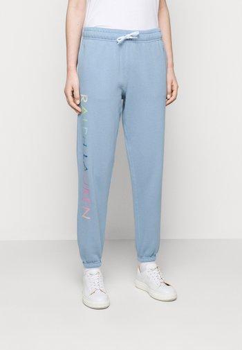 SEASONAL - Pantaloni sportivi - chambray blue