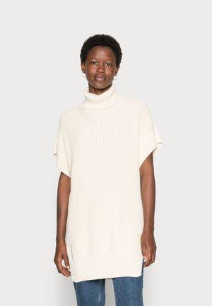 NORM ROLLNECK VEST - Basic T-shirt - off white