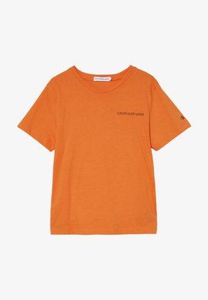 CHEST LOGO - Jednoduché triko - orange