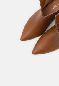 L37 - DO IT FOR MYSELF - Classic ankle boots - brown - 5