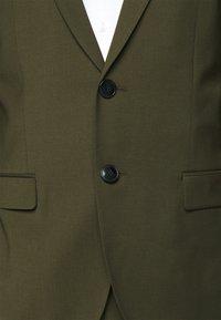 HUGO - ARTI HESTEN - Suit - dark green - 9