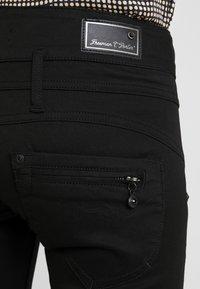 Freeman T. Porter - AMELIE - Jeans slim fit - stay dark - 6