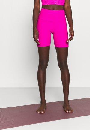 SELENITE BIKE SHORT - Legging - knockout pink