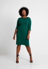 Dorothy Perkins Curve - EMPIRE WAIST BODY CON DRESS - Jersey dress - green - 1