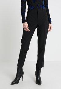 Banana Republic - AVERY WASHABLE PANT - Kalhoty - black - 0